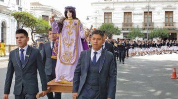 Liceo Mujía venera a Santa Rosa