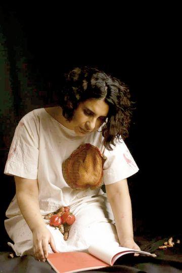 """Poemas de """"Abro el miedo"""" de Teresa Orbegoso"""
