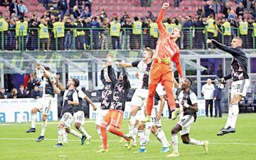 Juventus gana el derbi  y se queda con el liderato