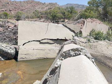 Canal de riego colapsa a un año de entrega