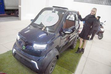 El auto eléctrico sensación ya está en Sucre; véalo en la Fexpo