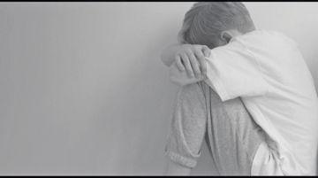 Madre denuncia a mujer por enamorar a su hijo