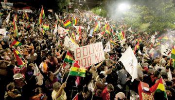 En Cochabamba piden renuncia de binomio del MAS