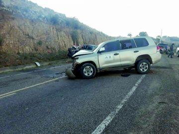 Colisión involucra a vehículo oficial de Muyupampa