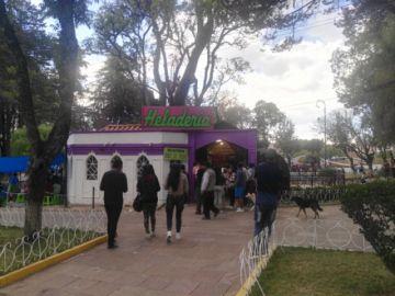 """Snack, Heladería y Cafetería """"París"""" vuelve renovada  al parque Bolívar"""