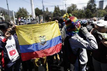 Ecuador: Reportan fuertes pérdidas por convulsión
