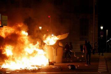 Disturbios en Cataluña dejan decenas de heridos y detenidos