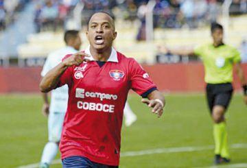 Fútbol boliviano se reactiva  con emociones en la tabla