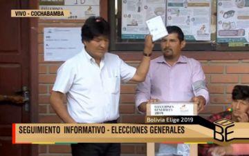 """Evo Morales vota y se declara """"optimista"""" con los resultados"""