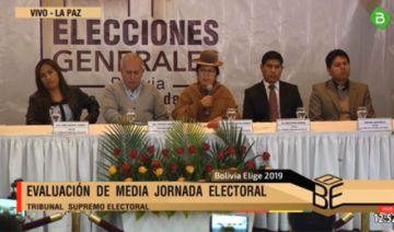 Primer balance del TSE de la media jornada de votación en Bolivia
