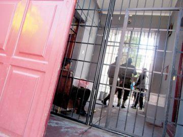 Va a prisión preventiva el exprefecto Ariel Iriarte