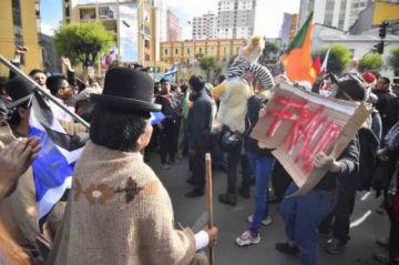 Simpatizantes de MAS y CC en La Paz se plantan cara y TSE está en cuarto intermedio