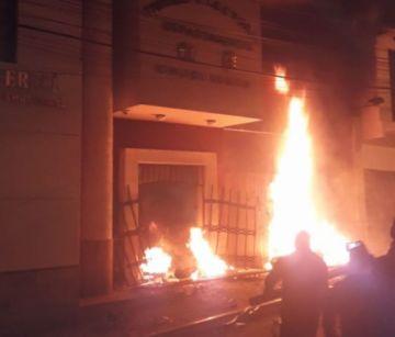 Fuego en el TED Chuquisaca y cómputo suspendido