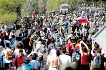 Chile: Las protestas no cesan a pesar de revisión de tarifazo