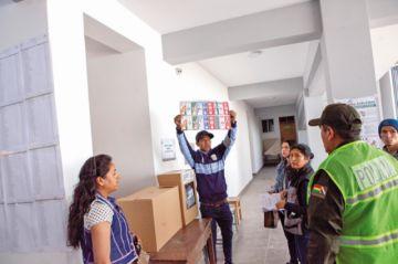 Chuquisaca: Opositores apuntan al balotaje y MAS muestra cautela