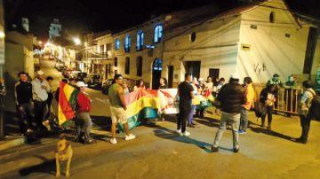 Ciudadanos protagonizan protesta ante TED