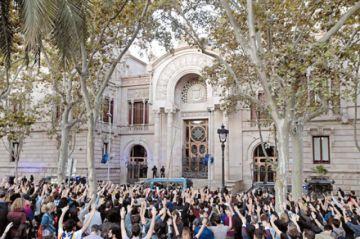Cataluña: Baja violencia pero sigue la estrategia