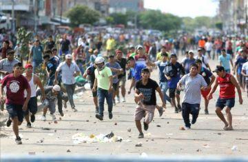Santa Cruz: Varios heridos tras enfrentamientos en el Plan Tres Mil