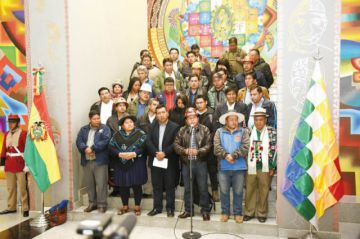 MAS denuncia golpe y anuncia movilización
