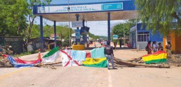 Puntos de bloqueos limitan los viajes al interior del país