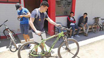 En Cochabamba jugadores se trasladan en bici