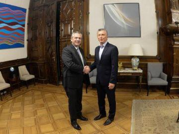 Macri y Fernández emprenden transición en Argentina