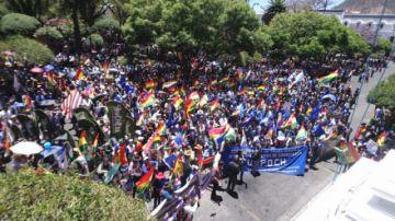 Marcha de campesinos y afines al MAS pide auditoría a las elecciones