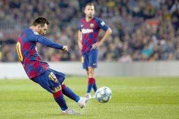 Messi devuelve  al Barcelona  la punta española