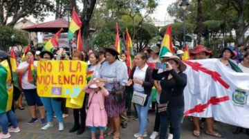 Mujeres afines al MAS piden cese de violencia