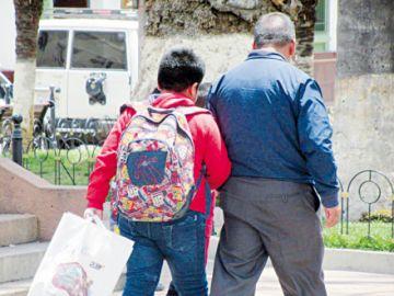 Preocupan las consultas por peso de las mochilas