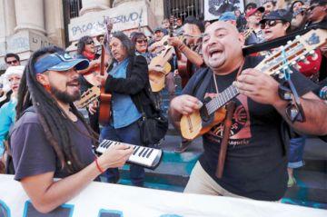 Chile: Baja tensión social pero siguen las protestas