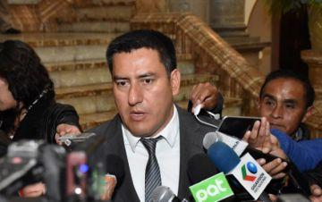 Ministro de Defensa apunta a Camacho por la violencia
