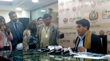 Ministro cuestiona acento de periodista