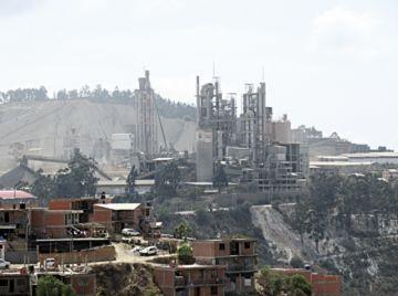 Fancesa no puede vender su producción de cemento