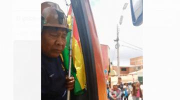 Más de 2.500 mineros de Potosí viajan a La Paz para presionar la renuncia de Morales