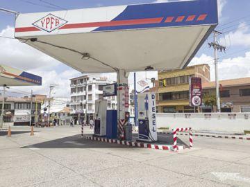 Escasea gasolina y GLP en Sucre