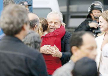 Lula da Silva sale libre por una decisión judicial