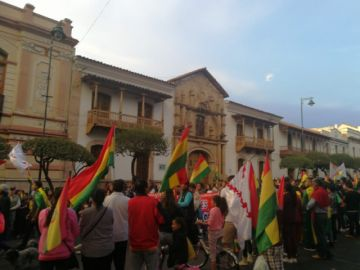 Marchas y vigilias en Sucre en segundo día de amotinamiento policial
