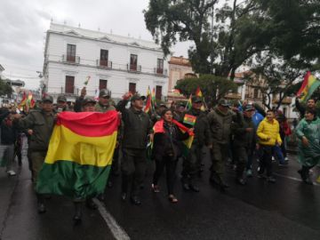 En vivo: Celebran la renuncia de Evo Morales en la plaza 25 de Mayo