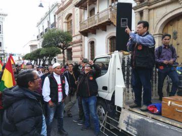 Ofrecen a Sucre como sede para sesiones de emergencia de la Asamblea Legislativa