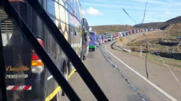La caravana de chuquisaqueños y potosinos decide retornar a Oruro