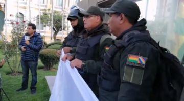 Policías piden pacificación tras ataques en El Alto