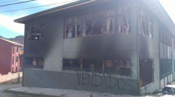 """El Alto: Movilización que rechaza renuncia de Morales marcha al grito de """"guerra civil"""""""