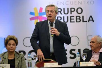 Fernández: Perú abre su espacio aéreo a avión mexicano para Morales