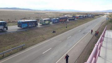 Delegación chuquisaqueña se resguarda en Oruro tras sufrir ataques en Caracollo
