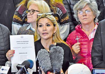 Legislativo busca sesionar hoy para tratar la renuncia de Evo