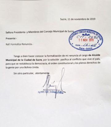 Iván Arciénega oficializa renuncia ante el Concejo