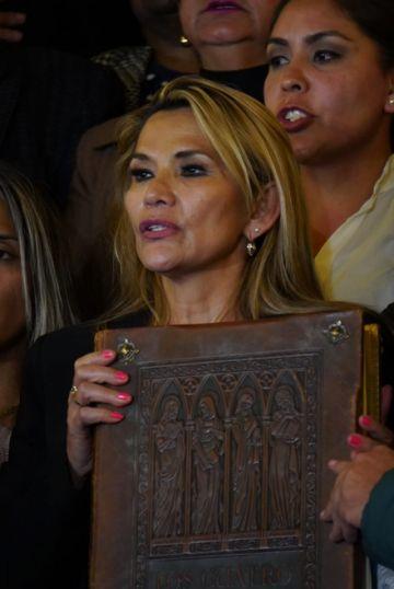 ¿Quién es la nueva presidenta de Bolivia?
