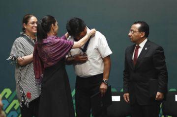 Morales fue nombrado huésped distinguido de la ciudad de México