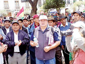 Junta de vecinos marchó por la democracia y la paz